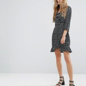 Vero Moda Wrap Dress with Frill Detail - Black L